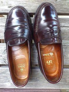 ALDEN Loafer comparison verification   Right ♯99161(BEAMS PLUS)  Left ♯986(Original model )  ♯99161 is Japanese special ordered goods.   http://www.facebook.com/DressShoesandSneaker