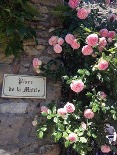 Yvoire Yvoire, Beaux Villages, France, Floral Wreath, Coins, Wreaths, Auvergne, Floral Crown, Rooms