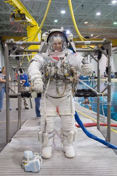PHOTO DATE: 08-31-15.LOCATION: NBL - Pool Topside .SUBJECT: Expedition 51/52 (Soyuz 50) astronaut Mark Vande Hei during ISS EVA Maintenance 1 training..PHOTOGRAPHER: BILL STAFFORD