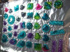 Sashlyr: Art & Decoration: Tutorial: How to recycle CDs Recycled Cds, Recycled Bottles, Recycled Crafts, Handmade Birthday Gifts, Handmade Christmas Gifts, Handmade Gifts, Cd Crafts, Diy And Crafts, Craft Tutorials