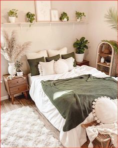 Home Decor Inspiration auf Instagram via my homely decor In love with this cozy bedroom by rachelkathleen13 What do you think #decoratingideas #decorideas #walldecor #livingroomdecor White Bedroom Decor, Bedroom Green, Room Ideas Bedroom, Master Bedroom, Bedroom Inspo, Diy Bedroom, Earthy Bedroom, Bedroom Designs, Natural Bedroom