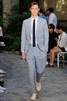 See the complete Officine Generale Spring 2016 Menswear collection.