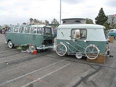 Color matched bike, camper and VW bus. Retro Caravan, Camper Caravan, Retro Campers, Vw Camper Vans, Scotty Camper, Caravan Ideas, Vintage Campers, Camping Vintage, Vw Vintage