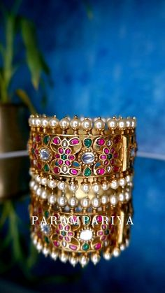 Silk Thread Bangles Design, Gold Bangles Design, Gold Jewellery Design, Pearl Necklace Designs, Indian Jewelry Sets, Bridal Bangles, Silver Jewelry, Fashion Jewelry, Bengal