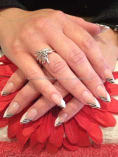 The edge pink and white acrylic with freehand nail art