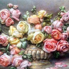 Розы в золотой вазе. Шелковые ленты.Работа выполнена по сюжету старинных художников. #вышивкалентами #розы #хорошиепедагоги_