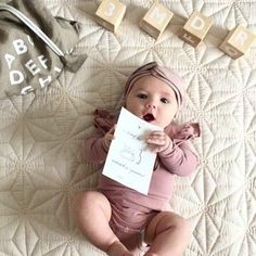 Someone just celebrated being in the world for 3 months. Can you imagine what it must be like? So full of curiosity, so many things to discover and learn ... Happy Wednesday to the young and young at heart. 📷 by @miadall_ #oohnoobabylove #cutenessoverload #oohnooblocks #alphabetblocks #letterblocks #woodenblocks