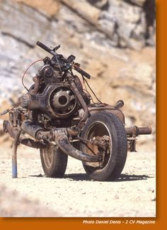 Mad Max transformed his into a bike After his Citroën broke down in the Sahara desert, Emile Leray transformed his into a bike.After his Citroën broke down in the Sahara desert, Emile Leray transformed his into a bike. Bobber Custom, Custom Motorcycles, Custom Bikes, Cars And Motorcycles, Vintage Motorcycles, Image Moto, Motos Retro, 2cv6, Mad Max Fury Road