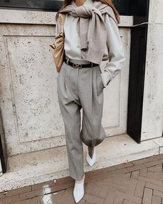 Winter fashion winter style winter trends winter outfit inspiration November December street style layering Modedamour - Edited by Anne-Miek Fashion 2020, Look Fashion, Womens Fashion, Fashion Trends, Classic Fashion Style, Normcore Fashion, Elegance Fashion, Elegance Style, Formal Fashion