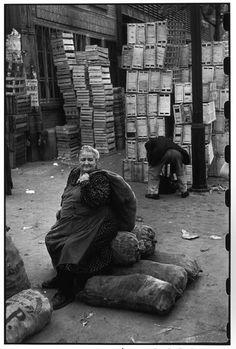 Henri Cartier-Bresson, Les Halles, Paris, France, 1952. © Henri Cartier-Bresson/Magnum Photos.