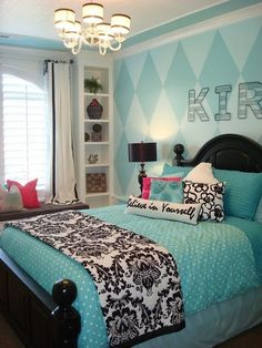 Love the color combo, the Damask and the diamond pattern on the wall and chandelier