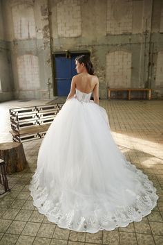 Meet our weddingdress Sirius from the newest Aurora Collection by Crystalline Bridals. An amazing V-shape princessweddingdress with a handbeaded transparant body , a tulle skirt supplemented with a train on the back. Check our full collection on www.crystallinebridals.com #princessweddingdress #Crystalline #Crystallinebridals #Weddinginspiratie #brautmode #robedemariee #vestidodenoiva #fustan #eskuvo #sukniaslubna #brollop ##trouwjurk #haapuku #sposi #sposa #novias #misposo #weddingdress