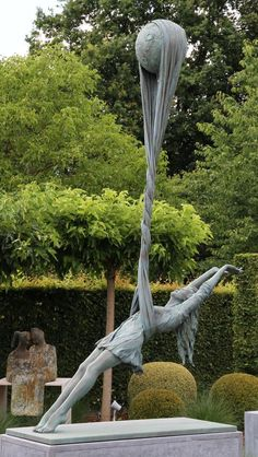 Art Sculpture, Bronze Sculpture, Arte Do Sistema Solar, Public Art, Urban Art, Monuments, Metal Art, Art Inspo, Amazing Art