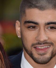 Zayn Malik Shaved His Head: Pics From Asian Awards Red Carpet | Cambio