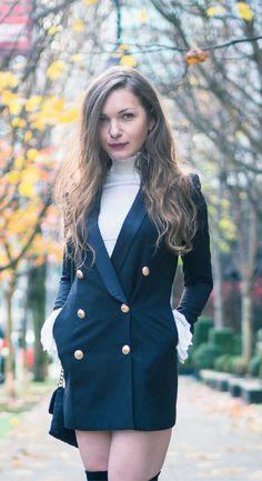 I've Got Sunshine ☀️ | Style and Travel Blogger - Tuxedo jacket dress and high neck sweater