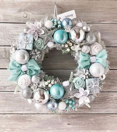 Christmas Advent Wreath, Christmas Candle Decorations, Xmas Wreaths, Christmas Tree Themes, Pink Christmas, Christmas Holidays, Natal Diy, Diy Spring Wreath, Christmas Tree Inspiration
