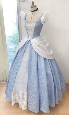 Cinderella Dress For Girls, Disney Princess Dresses, Disney Dresses, Girls Dresses, Princess Inspired Outfits, Disney Themed Outfits, Princess Outfits, Princess Fashion, Cosplay Dress