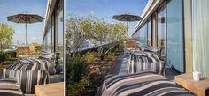 Auch die nicht einsehbare Dachterrasse bietet viel Raum zum Abschalten und Energie tanken und weckt dank der weichen Outdoor-Lounge-Möbel ein lässiges Urlaubsflair in der Stadt.    Foto: Simone Ahlers für JOI-Design    #WOHNIDEE #WOHNIDEESuiten #designedbyus #InteriorDesign