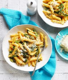 Make a healthy sweet potato pasta bake recipe with this easy pasta bake idea using spinach and pine nuts. This lean recipe uses low-fat mince. This pasta bake recipe using ricotta with sweet potato is a great weeknight meal that can be frozen. Bacon Pasta Recipes, Sauce Recipes, Cooking Recipes, Noodle Recipes, Vegetarian Cooking, Sweet Potato Pasta, Sweet Potato Recipes, Savoury Recipes, Recipe Using Ricotta