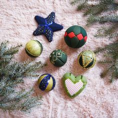 Készítettünk pár trendi, vidám karácsonyfadíszt hungarocellből! Hát nem zseniálisak? Kattints a linkre, és olvasd el, hogy hogyan készül! #christmasdecoration #christmas #decorationforchristmas #karácsonyidekoráció #hungarocellgömb #karácsonyfadíszhungarocellből #karácsonyfadísz Home Decor, Decoration Home, Room Decor, Home Interior Design, Home Decoration, Interior Design