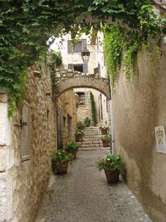 Saint-Paul de Vence, France. A medieval hilltown overlooking Nice on the Cote de Azure. Full of opened artist's studios. Got some amazing photos here.. just gorgeous.
