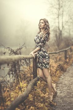 Photo Waiting by Przemyslaw Chola : Other poses and creative ideas for Photography Photography Poses Women, Autumn Photography, Glamour Photography, Girl Photography, Fashion Photography, Photography Ideas, Outdoor Modeling Photography, Aerial Photography, Beautiful Woman Photography