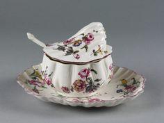 Sugar tureen | Mennecy porcelain factory, France, ca. 1755-ca. 1765 (made) | V