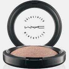 MAC Feminine Face Collection Spring 2014 – Beauty Trends and Latest Makeup Collections Mac Makeup Looks, Best Mac Makeup, Latest Makeup, Best Makeup Products, Beauty Products, Mac Make Up, Mac Mineralize Skinfinish, Feminine Face, Mac Powder
