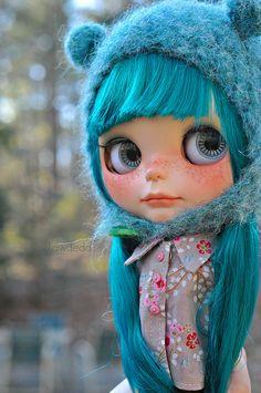 lovely blue blythe girl