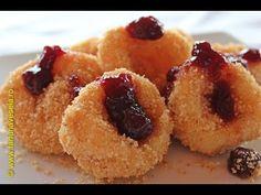 Papanasi cu branza fierti - YouTube Romanian Food, French Toast, Cheesecake, Deserts, Muffin, Cooking Recipes, Mai, Make It Yourself, Breakfast