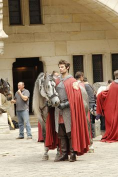 OHMYGAWD, just look at this unknown knight! | BTS of Merlin for season 5 (via TakeYourShot882)