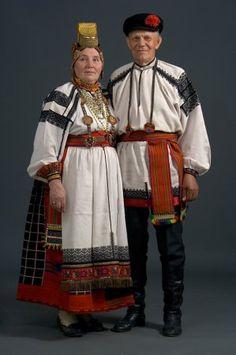 pareja en sus trajes de boda. Provincia de Belgorod., El comienzo del siglo XX. (Colección Glebushkina SA). Rusia