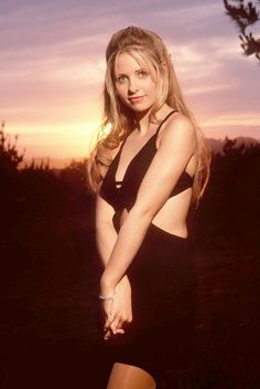 Sarah Michelle Gellar - I Know What You Did Last Summer Sarah Michelle Gellar Buffy, Michelle Trachtenberg, Beautiful Celebrities, Beautiful Women, Female Celebrities, Alice Faye, Buffy Summers, Alyson Hannigan, Buffy The Vampire Slayer