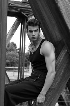 Californian native sexy AF model Scott Gardner in 22 great photos lensed by…