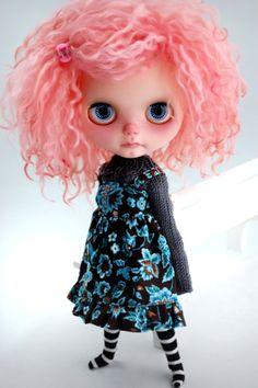 Blythe personnalisé par Miema par miema4dolls sur Etsy - that hair!!!