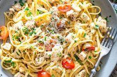 Λιγκουίνι με κοτόπουλο της στιγμής (Video) Spaghetti, Pasta, Ethnic Recipes, Food, Eten, Noodles, Meals, Noodle, Pasta Dishes