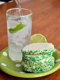 The perfect summer sweet: Mojito Cookies Holiday Cookie Recipes, Cookie Desserts, Dessert Recipes, Yummy Treats, Delicious Desserts, Sweet Treats, Yummy Food, Love Food, Sweet Tooth