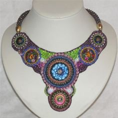Bead Embroidery Collier Royal - Recycling Art - Beadworthy Beaded Embroidery, Crochet Necklace, Handmade Jewelry, Beads, Projects, Recycling, Inspiration, Art, Fashion