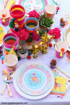 Boho Fiesta party idea for Cinco De Mayo! #fun365 #cincodemayo #partyideas #parties #fiesta
