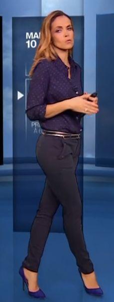 Calie Morales - Les jambes, pieds et talons hauts vus à la télé et au cinema Anais Baydemir, Catherine Ceylac, Evelyne Dheliat, Anne Elisabeth Lemoine, Morales, Elodie Frégé, Estelle Lefébure, Blue Shoes, Legs