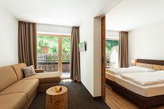 Zimmer-Deluxe-im-Hotel-Rainer Jaufental in Südtirol. Urlaub in Ratschings Wandern Wellness und Entspannen im besten Naturhotel in Südtirol