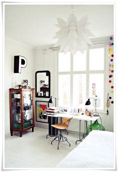 WONDERFUL work space!!  <3 <3