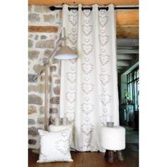 Rideau en laine à carreaux gris et écru avec bande brodée coeur ...