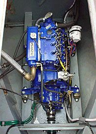 Choosing an engine for the narrowboat or canal boat that you plan to build or to have built for you. Marine Diesel Engine, Barge Boat, Pedal Boat, Classic Wooden Boats, Boat Engine, Boat Interior, Cats For Sale, Narrowboat, Boat Design