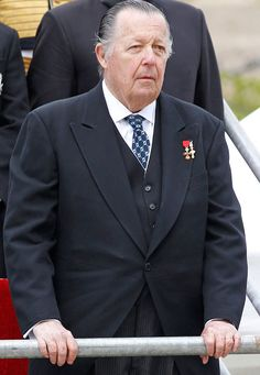 His Royal Highness the Infante Don Carlos, Duke of Calabria (1938-2015) Don Carlos de Borbón-Dos Sicilias y Borbón-Parma, Infante of Spain, Prince of the Two-Sicilies and Duke of Calabria passed away at his state in Ciudad Real on October 5, 2015, at...