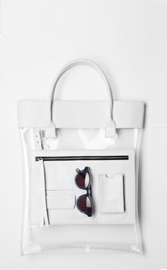 Are you kidding me?! We need this brand to come to the US! From Low Classic (link: http://www.lowclassic.com/front/php/product.php?product_no=1406&main_cate_no=41&display_group=1 ) clear bags, clear purses, summer fashion, summer style, minimalist design, minimal style, minimalist fashion