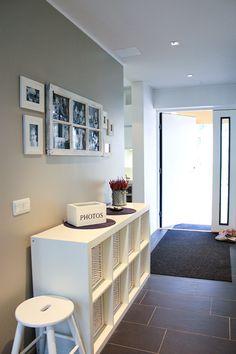 Family apartment, interior design, hallway. Uudiskohde, perhekoti, sisustussuunnittelu, eteinen. Familjebostad, inredningsdesign, hall.