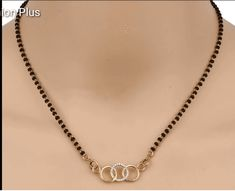 Pearl Necklace Designs, Jewelry Design Earrings, Gold Jewellery Design, Gold Chain Design, Gold Ring Designs, Modern Mangalsutra Designs, Mangalsutra Bracelet, Antique Jewellery Designs, Indian Jewelry Sets