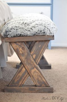 This beautiful bench is so easy to build! And she has all the step by step pictured AND plans!