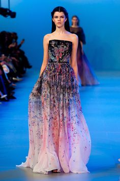 """Elie Saab Haute Couture Spring 2014  ❁❁❁Thanks, Pinterest Pinners, for stopping by, viewing, pinning, & following my boards.  Have a beautiful day! ❁❁❁ **<>**✮✮""""Feel free to share on Pinterest""""✮✮"""" #gifts www.fashionandclothingblog.com"""